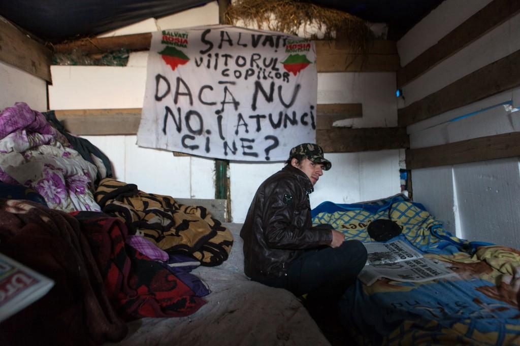 Pompiliu Buleu pictează România aia pe care doar uniţi o mai salvăm